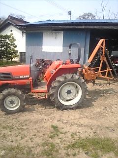 昨日書いたゴボウと長芋を掘る機械です。